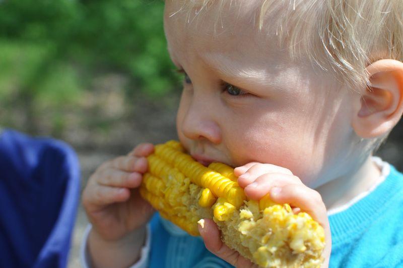 Deti a jedenie zeleniny