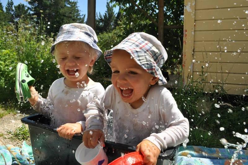 Jakubko a Maroško Matúšovci na farme na Novom Zélande