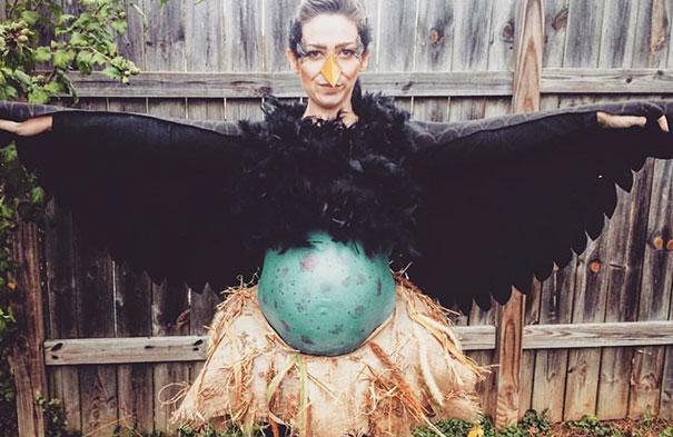Halloweensky kostým pre tehuľky vtáčie vajíčko