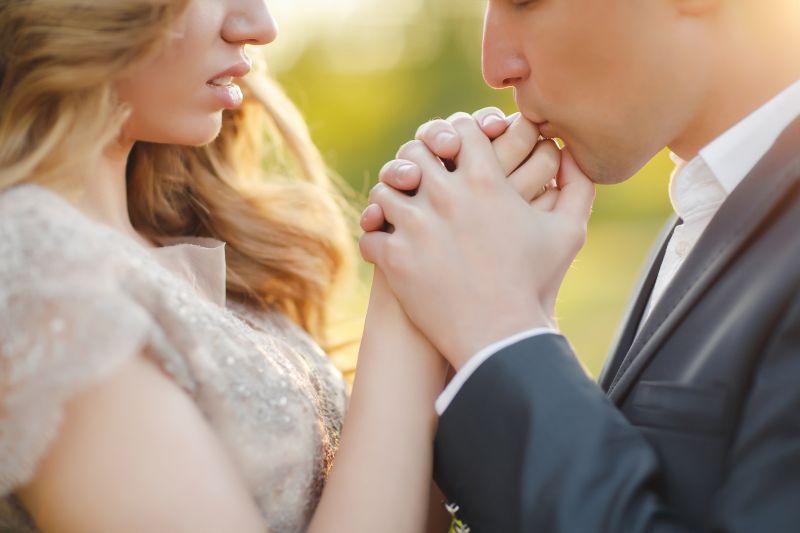 Zamilovaní novomanželia