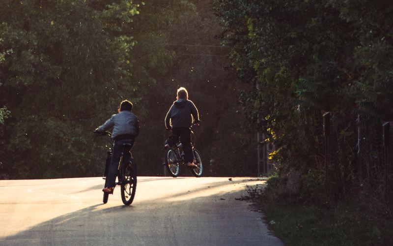 Deti na bicykli